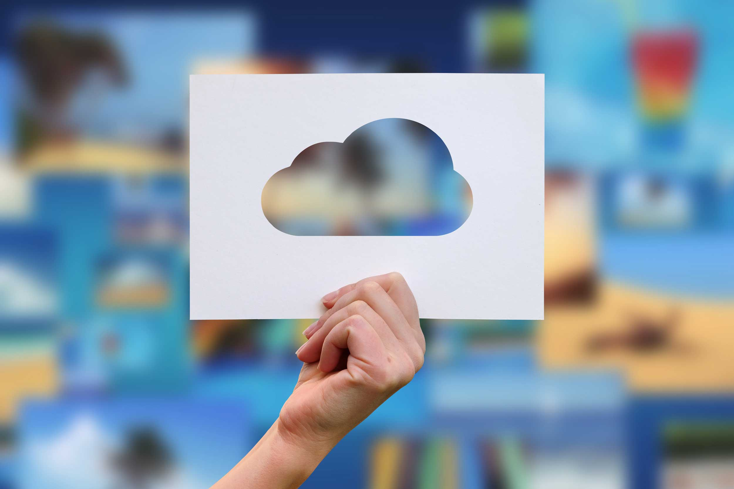 You are currently viewing 4 Must-Have, Low-Risk Cloud Solutions